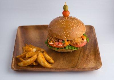 Hamburguesa de camarón con pico de mango